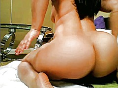 Sexy cam model squirts