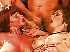 Mature big titts party... video